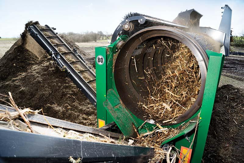 Tromlesortere- anlægget Nemus 2700 fra Komptech har sat gang i produktionen af biomasse hos MIS Recycling.